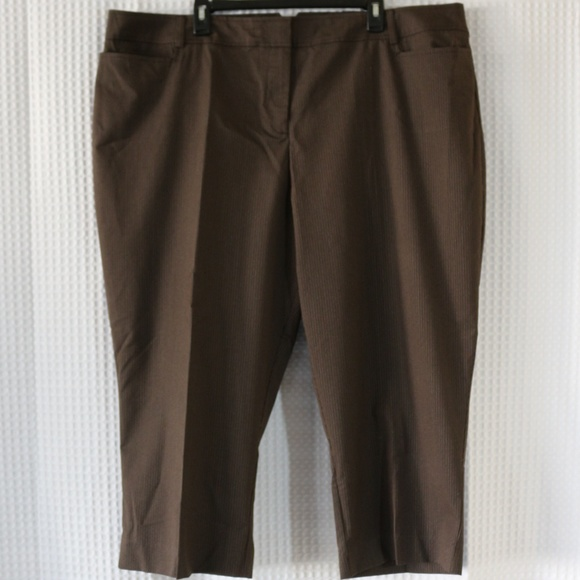 cb18fa0a4e5b4 NWT Lane Bryant Totally Cropped pants